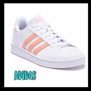 💥FINAL💥Adidas Women court sneakers white w/coral